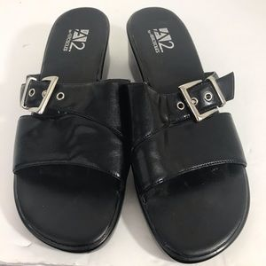 "Aerosoles ""two biggy "" black slip on sandal 8.5"
